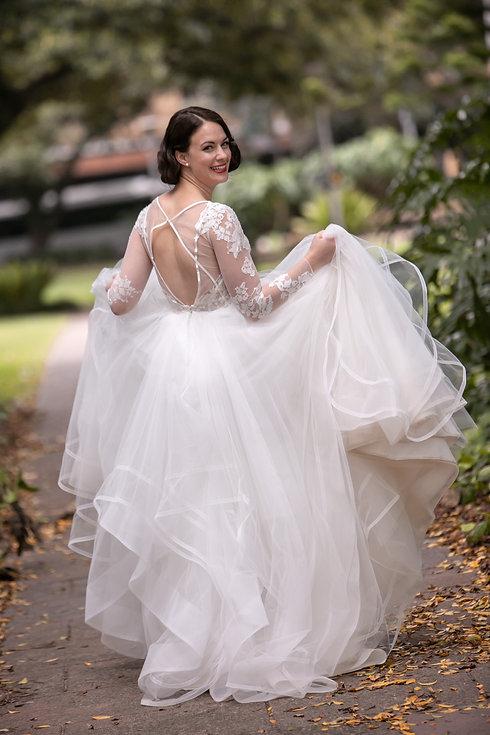Bride in Hyde Park, Sydney. Wedding photography by best sydney wedding photographer, Grant Hoskinson Photographer.