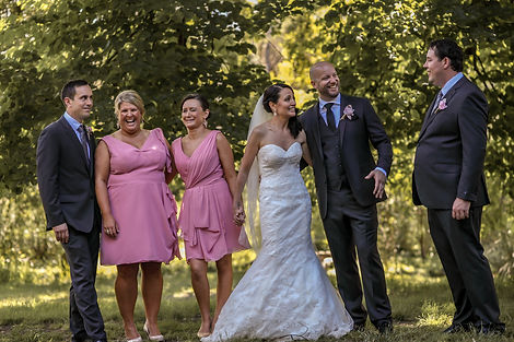 Bridal party in the Botanic Gardens, Melbourne. Beautiful wedding photography by popular Sydney wedding photographer, Grant Hoskinson Photography.