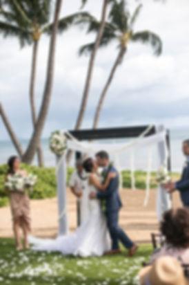 Sydney wedding photographer. Grant Hoskinson Photography. Kiss the bride.