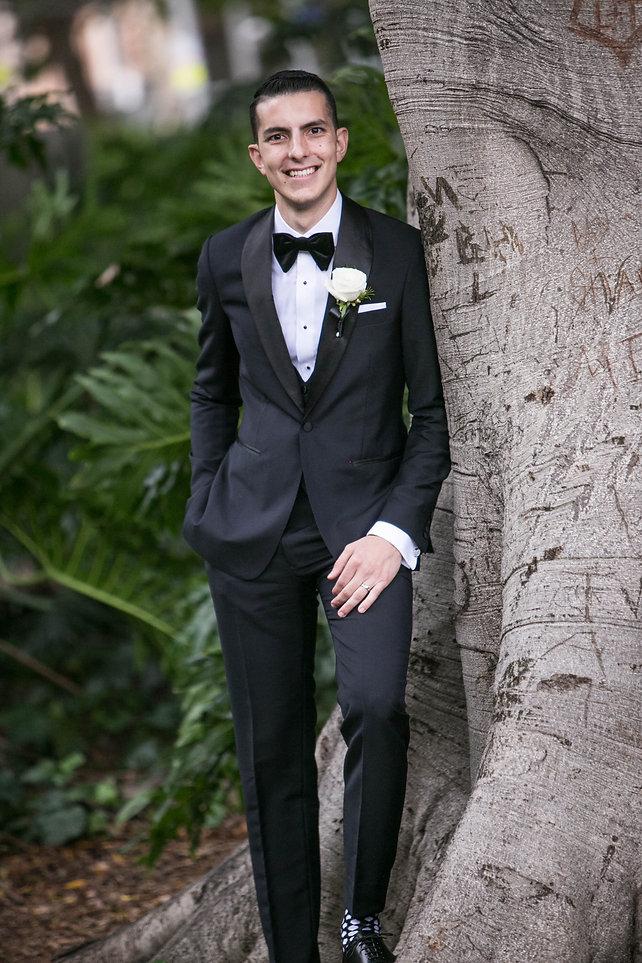 Portrait of groom in Hyde Park, Sydney. Wedding photgraphy by Sydney wedding photographer Grant Hoskinson Photography.