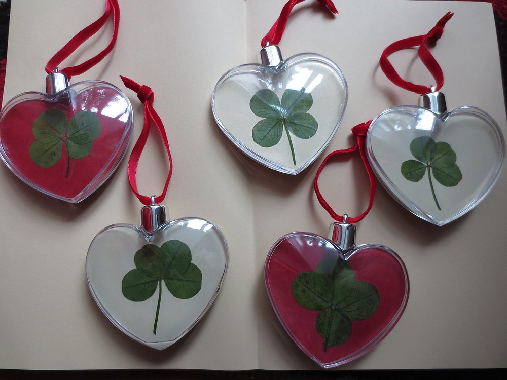 Original heart-shaped globes with four leaf clovers