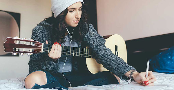 How-To-Write-A-Song-For-Beginner-Songwri
