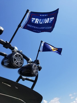 Wakesetter Flag Close Up.jpg