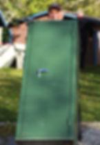 Thomas-med-vapenskåp-web.jpg