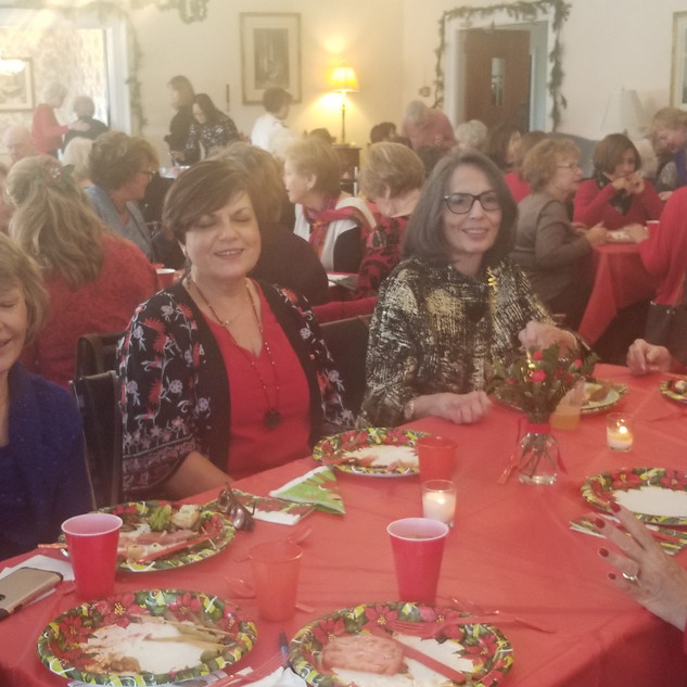 2018 Christmas lunch 2.jpg