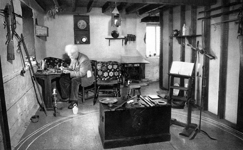 Gerald Gardner in Cottage.jpg