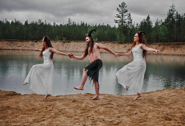 Coven-dancing.jpg