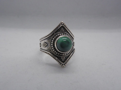 Green onyx Rani ring