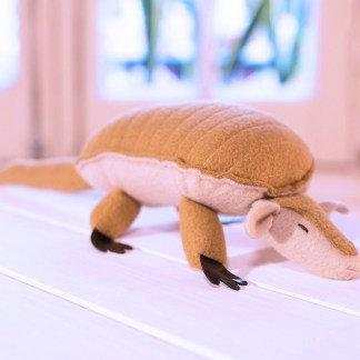 Tatu Carreta - Armadillo - juguete de polar