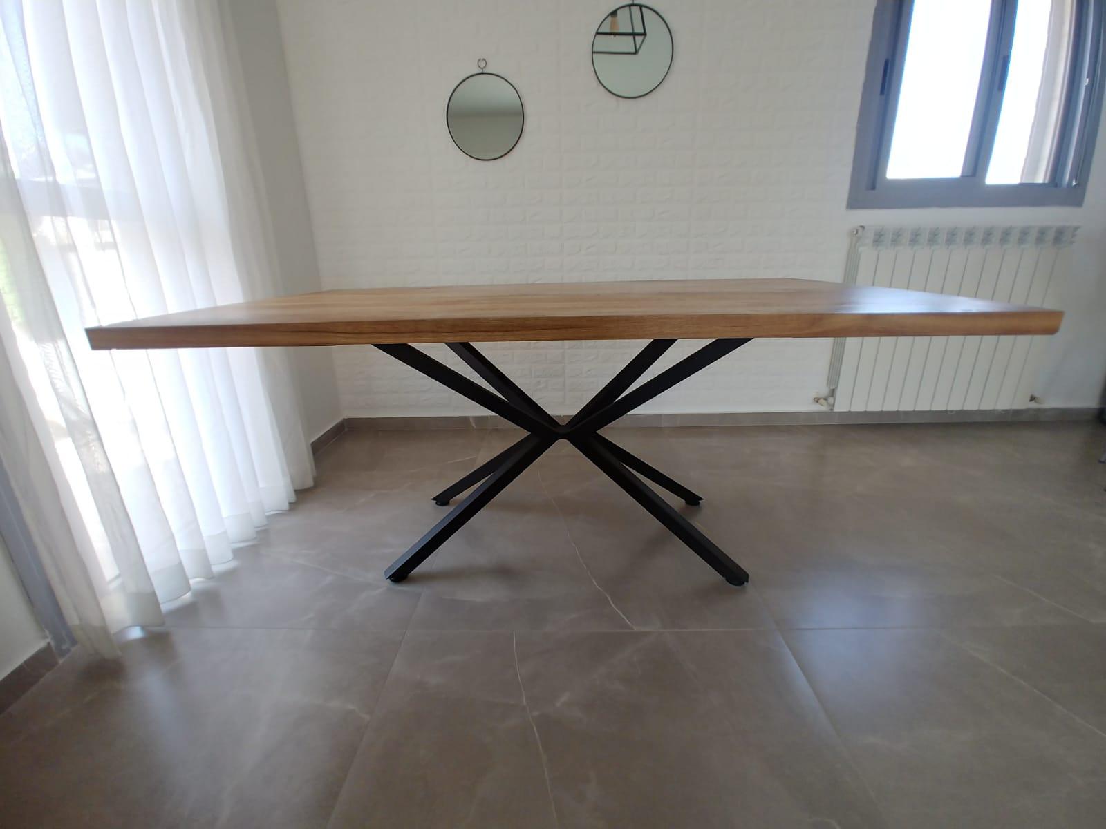 שולחן - לאמי אלון