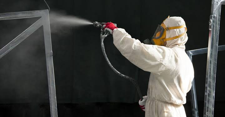 spray booth worker