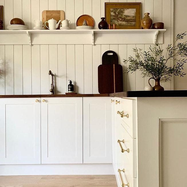 Satin-Brass-Mayfair-Cabinet-Handles-Knob