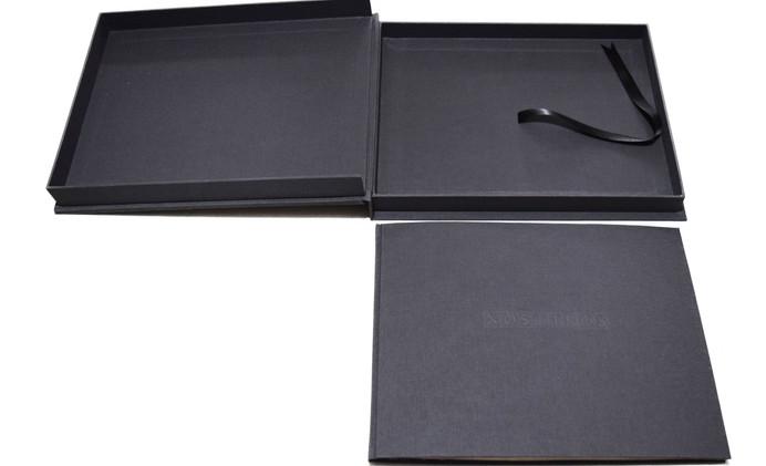 Caja y libro