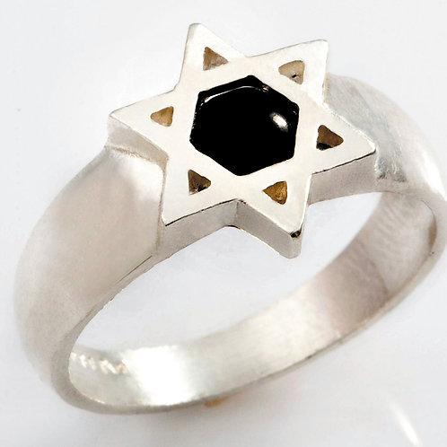 טבעת מגן דוד עם אבן טורמלין שחור