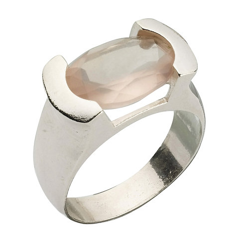 טבעת מוצפנת אובלית רוז קוורץ