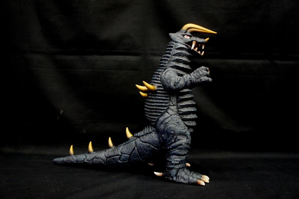 Ultra Kaiju Black King
