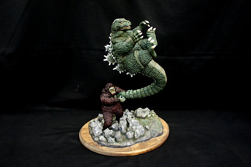Godzilla vs Kong Diorama Art Statue キングコング対ゴジラ 完成品