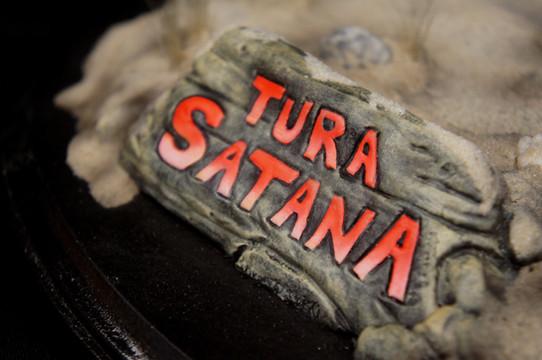 Tura Satana