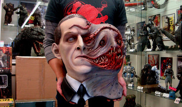H.P. Lovecraft Tormented Life-Size Wall Hanger