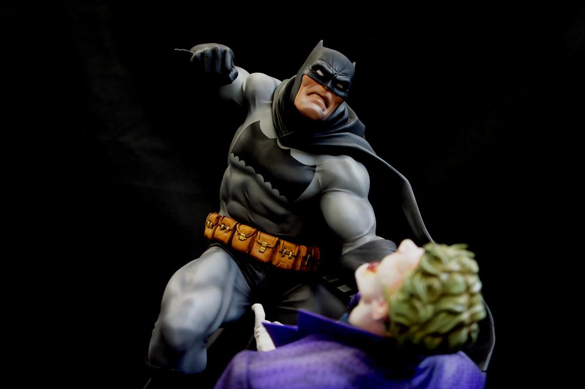Frank Miller Dark Knight Batman vs Joker