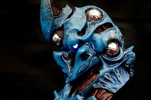 Vile Guyver 1:3 scale Bust 2.0 with Light Unit Art Statue
