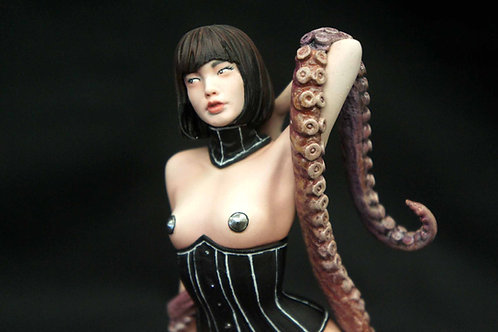 Octopus Girl Art Statue 章魚少女