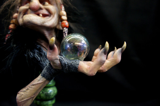 Bergholt's Witch Spell Bust