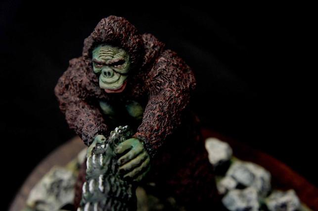 Giant Swing : Godzilla vs King Kong