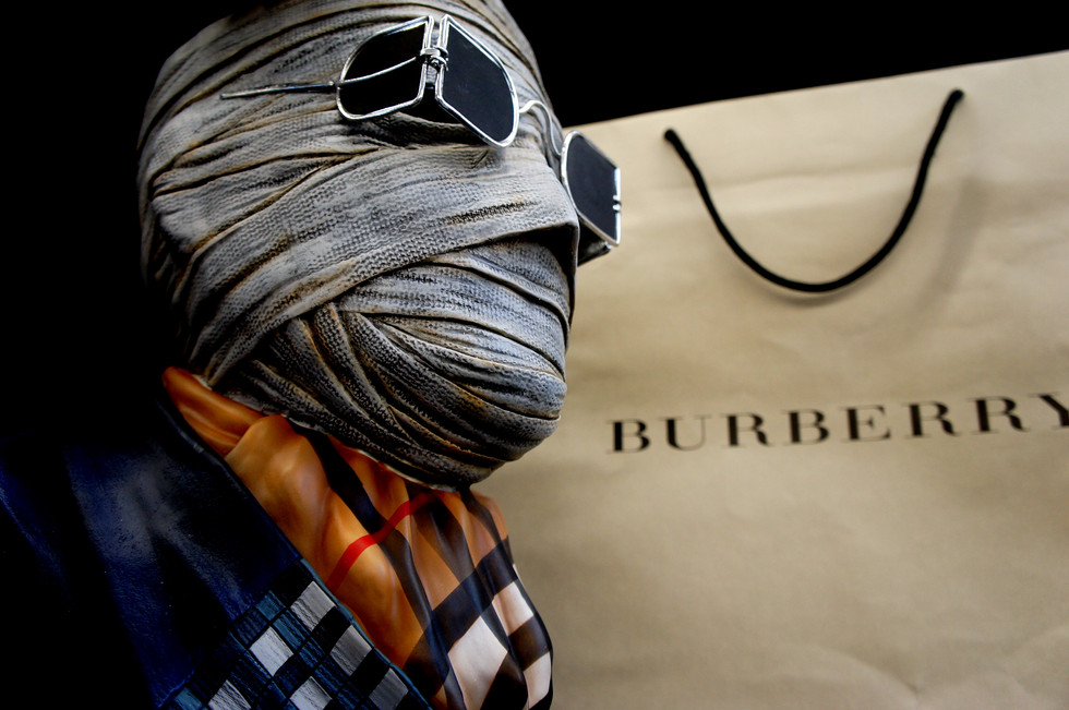 Invisible Man Bust Burberry Edition