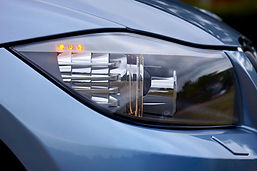 headlight-2460995_1280.jpg