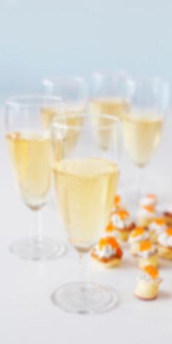Dans votre petite cuisine | Champagnes et toasts | Traiteur