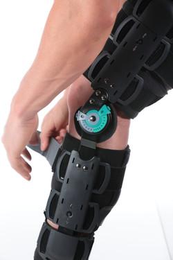 ROM Knee Close-up Tightening