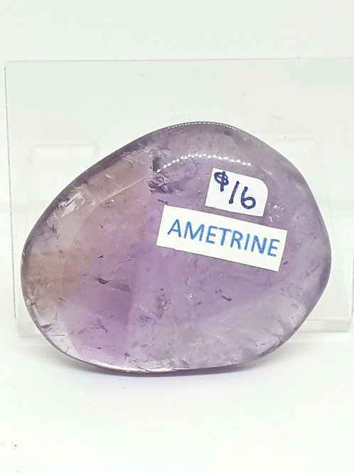 Amerine flat stone 4.5 cm x 3.5 cm