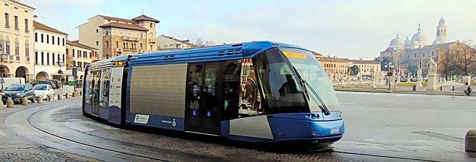 Prato della Valle, Padova Tram.jpg