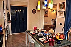 Colazione nella cucina del Bed and Breakfast Melograno MC vicino a Padova