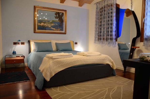 Camera Royal Azzurra presso Bed and breakfast Melograno MC