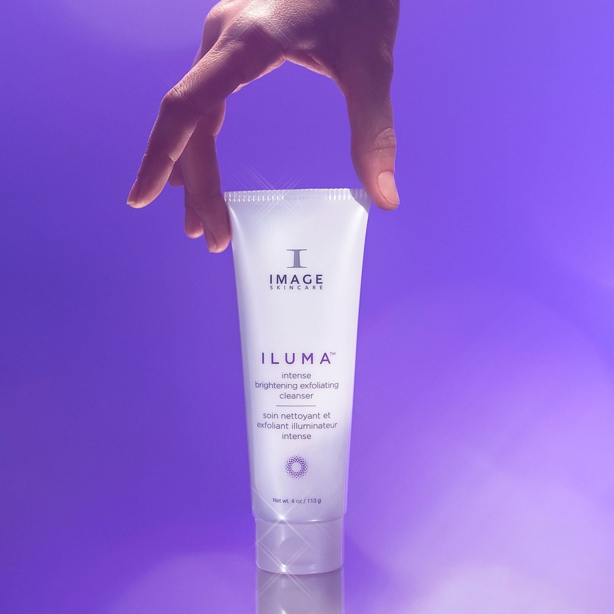 ILUMA INTENSE BRIGHTENING EXFOLIATING CLEANSER Your skin's first defense against dullness. Jumpstart your daily brightening routine with this luxurious cream-to-foam cleanser. It sweeps away impurities and exfoliates in one step to help visibly brighten and refine the skin. It's mushroom-derived enzyme, bamboo spheres and smart-sensing beads gently exfoliate dull skin, while natural extracts help boost luminosity and promote hydration. The cushiony, non-stripping formula leaves the skin feeling soft and refreshed.