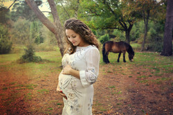 maternity session outdoor