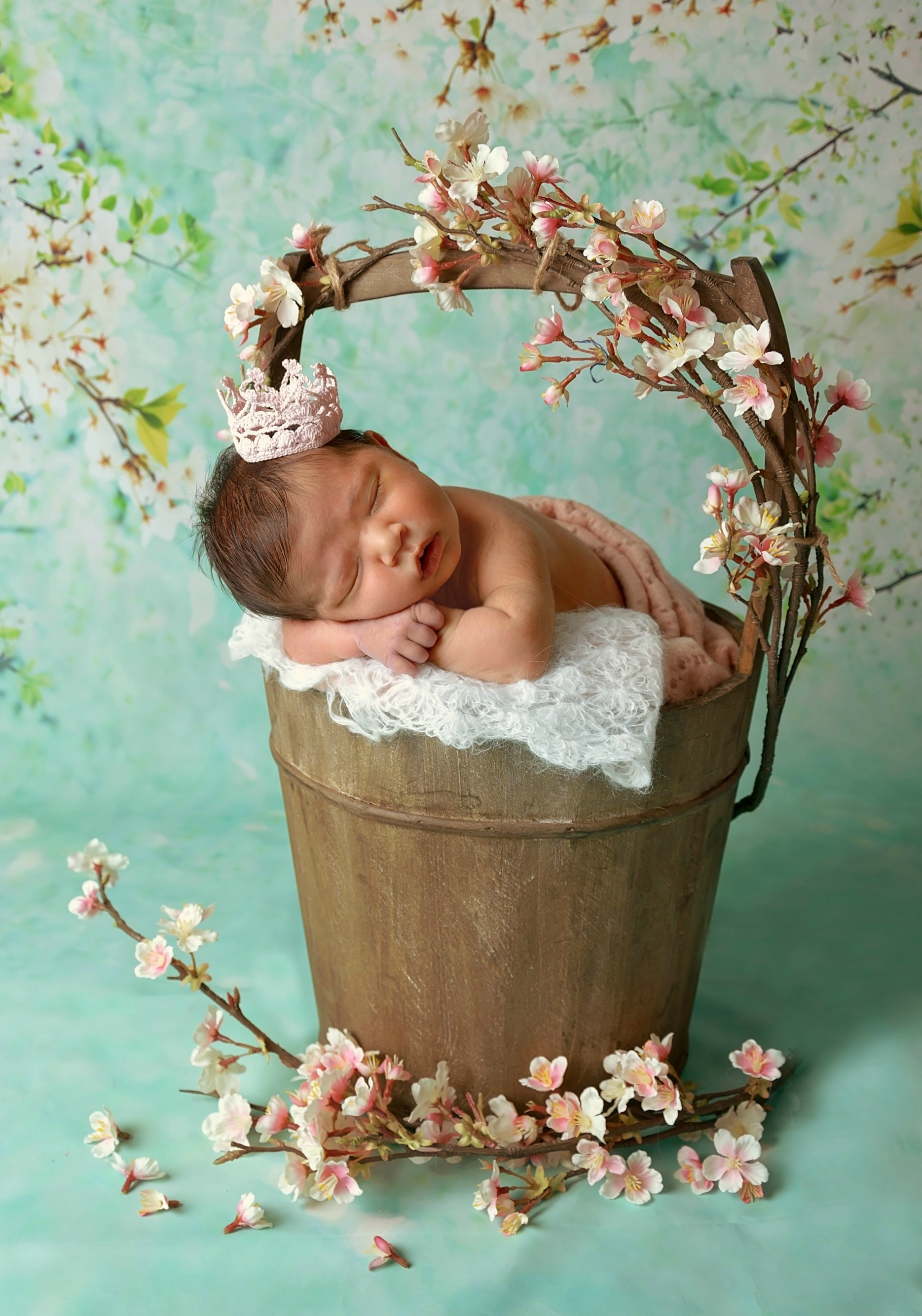 newborn girl flower pictures