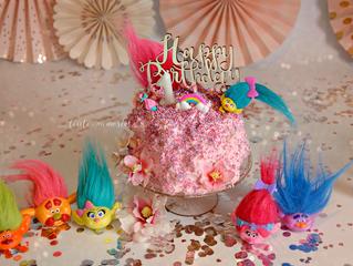 Beautiful KITTY Cake Smash - Trolls inspired Birthday Session | London Kids Photographer