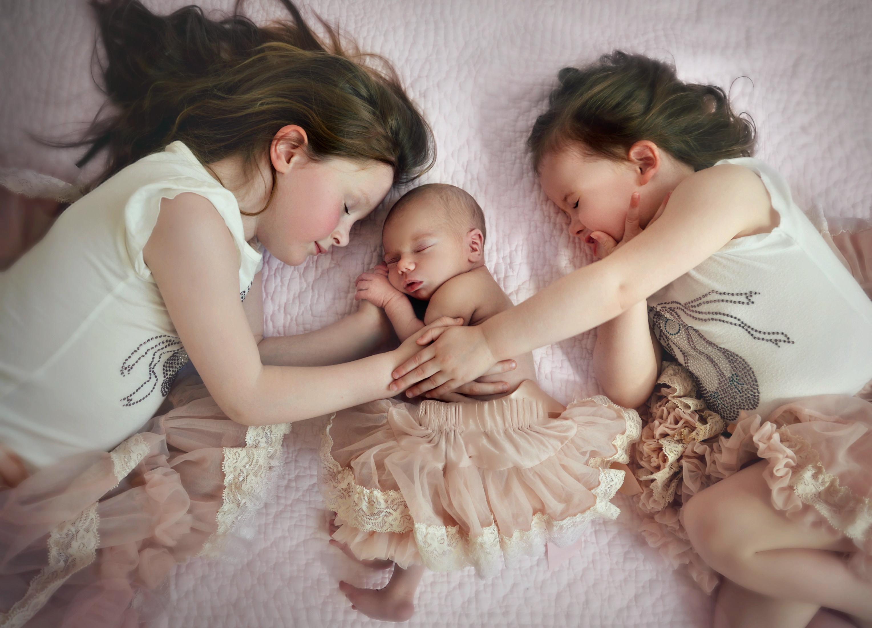 sisters newborn portrait