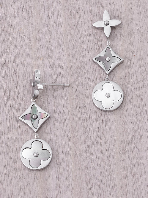 The Viola Pearl Drop, Silver