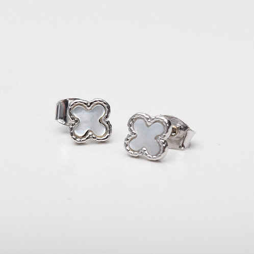 Tiny Clover Stud, Mother of Pearl Silver