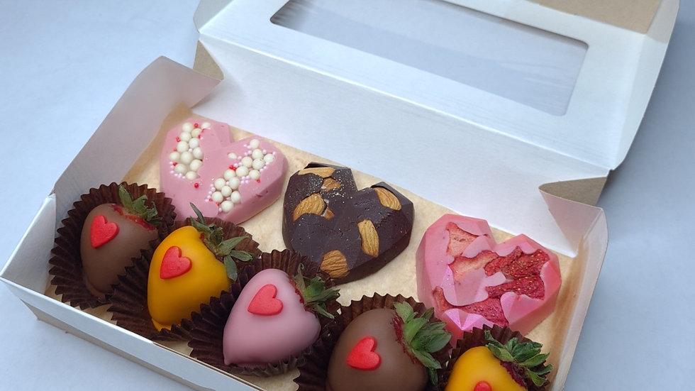 Клубника в шоколаде+сердца