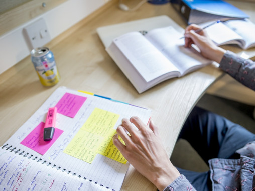 Home tuition: Our guide to the best teaching and learning resources online