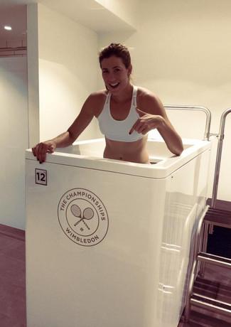 garbine-muguruza-in-the-ice-bath-during-
