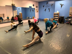 shir's saturday stretch class -4.jpg