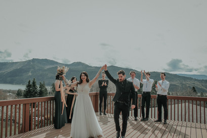 Elope during COVID-19 Columbia Gorge Elopement PNW Wedding Planners