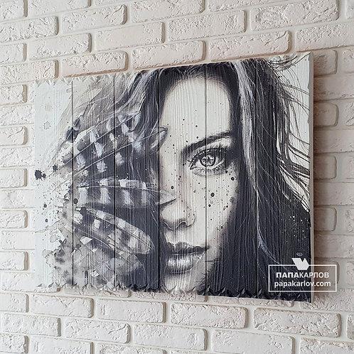 """Картина на досках """"Девушка и Перья"""""""