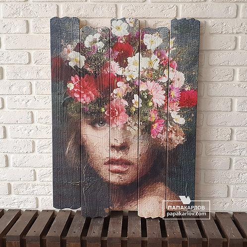 """Картина на досках """"Девушка и букет цветов"""""""